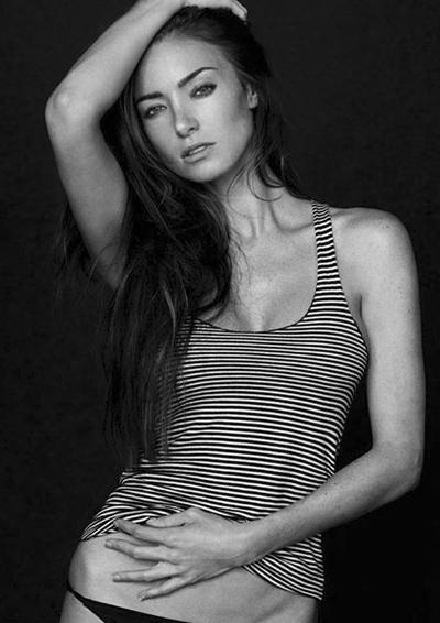 Cassi Colvin Nude Photos 70